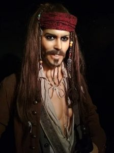 Jack Sparrow (Johnny Depp) - Personagem do filme Piratas do Caribe